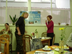 Katja Kipping und Sandro Witt im Frauen- und Familienzentrum Apolda